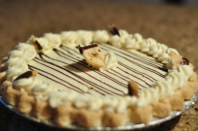Banana cream pie in the dish