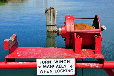 Turn winch manually