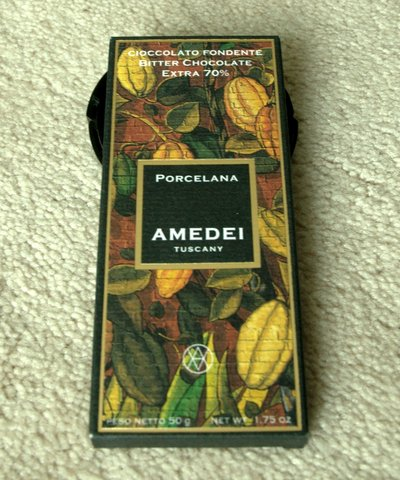 Amedei Porcelana bar in package